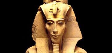 akhenaton1